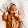 Brauner Rüschen-Babyanzug 3M