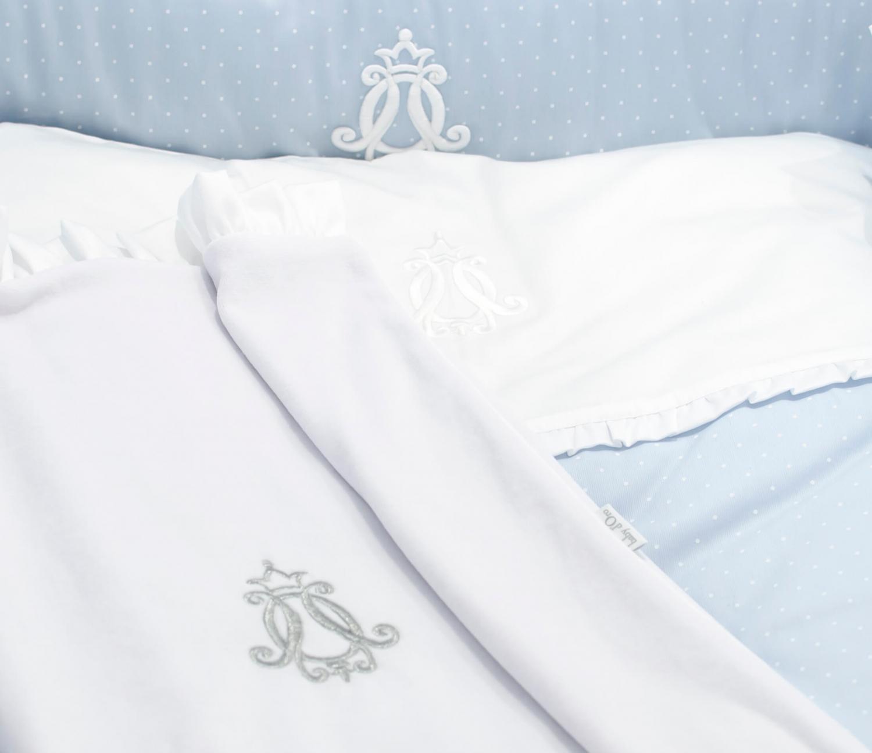 Royal Monogram Decke aus weißem Samt