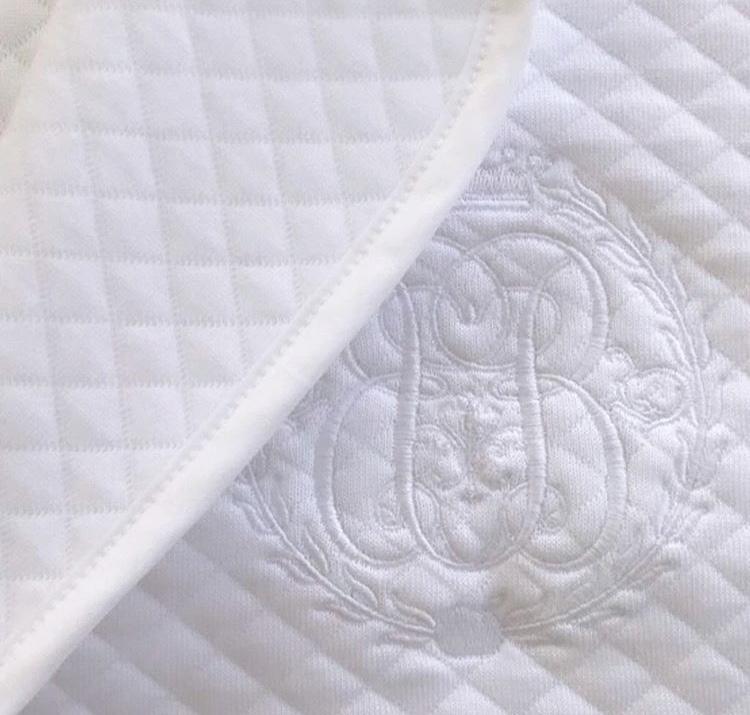 Klassische schicke Babydecke weiß Groß 120 / 150cm