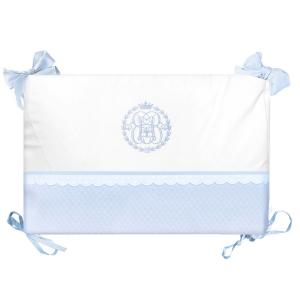 Klassische Bettumrandung mit Monogramm babyblau