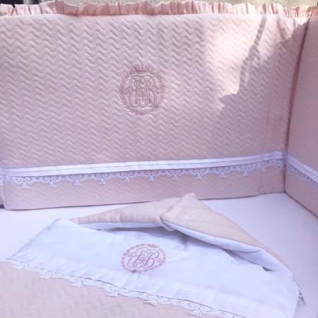 9-teiliges Babyzimmer-Set in klassisch-schickem Pink