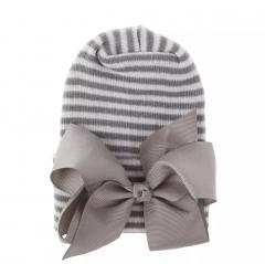 Neugeborener Hut grauweiß mit grauer Schleife extra warm