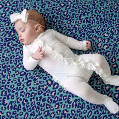 Weißer Rüschen-Babyanzug 3 Monate